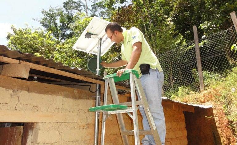 En abril lanzarán licitación millonaria para la instalación de paneles solares