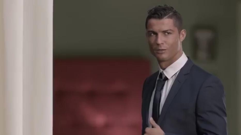 VÍDEO: Cristiano Ronaldo es rechazado por una bella chica