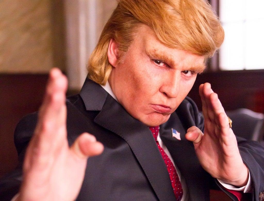 Johnny Depp sorprende al imitar a Donald Trump en una parodia