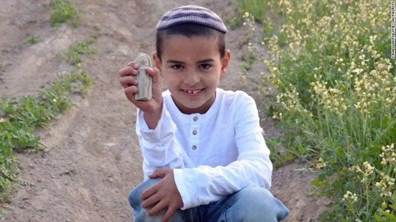 Niño israelí encuentra figura de 3.400 años de antigüedad