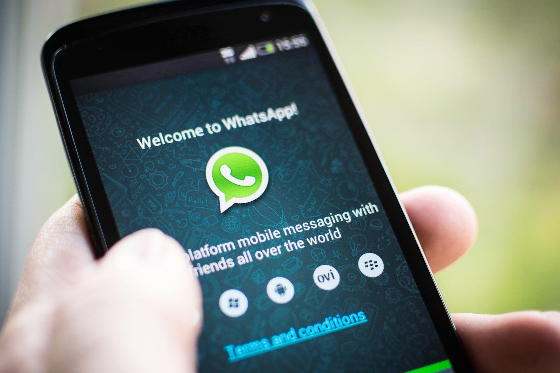 """WhatsApp podría suspender temporalmente a usuarios """"pesados"""""""