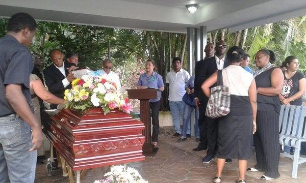 Cientos de personas le dieron el último adiós a Nicolás Suazo
