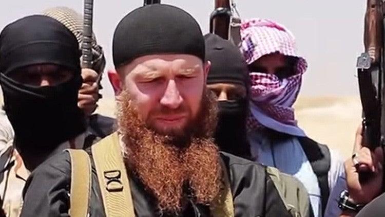 """Omar """"el Checheno"""", líder de Estado Islámico, resulta herido en bombardeo"""