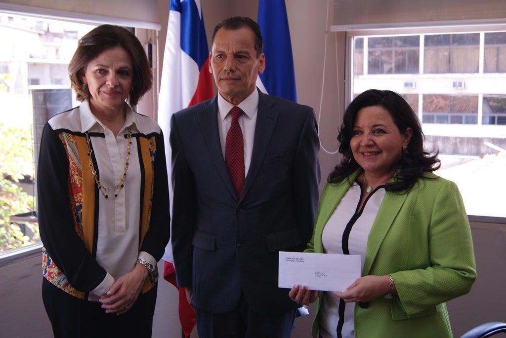 Salud recibe donación del Gobierno de Chile