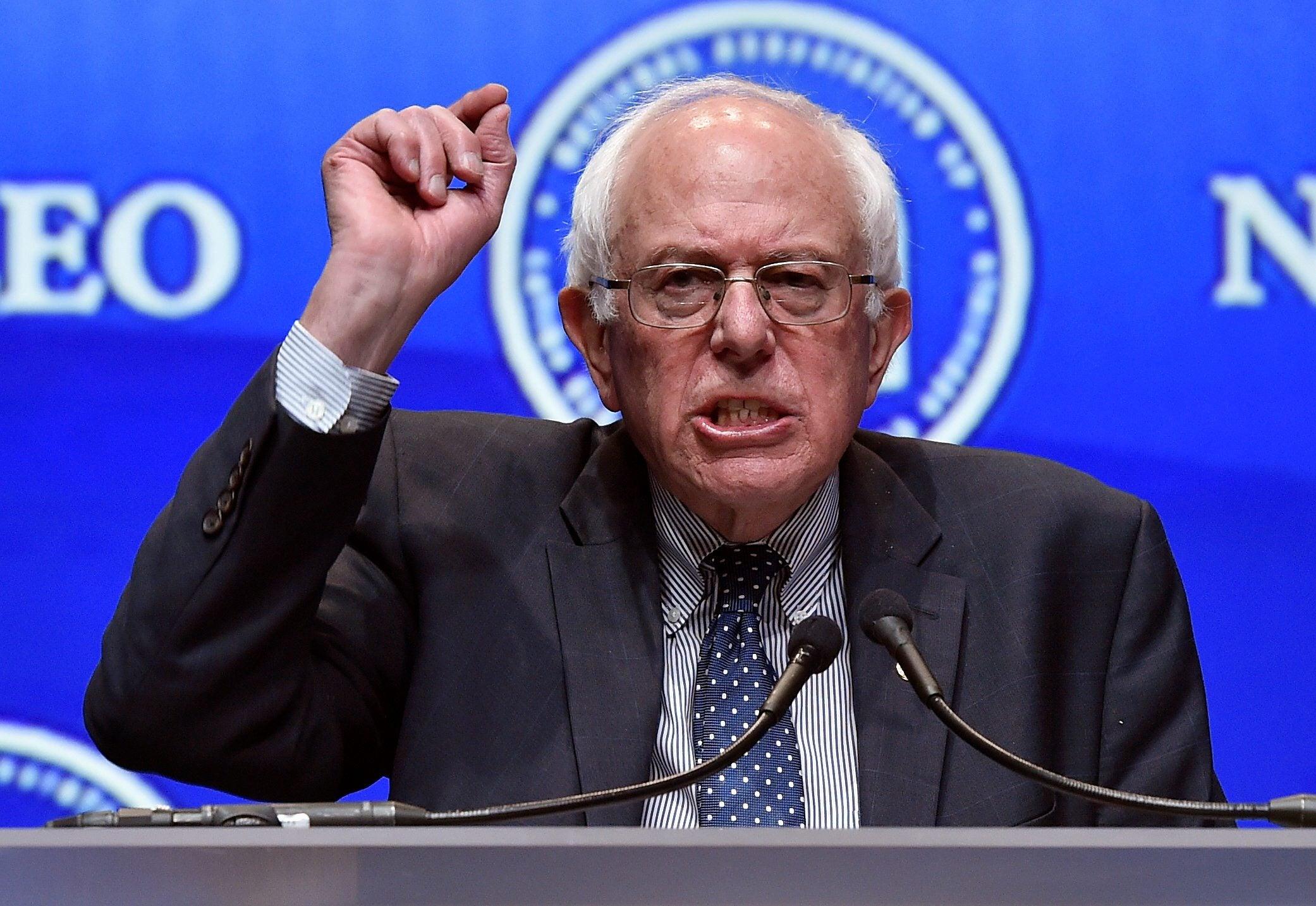 Sanders vence a Clinton en primaria  de Kansas