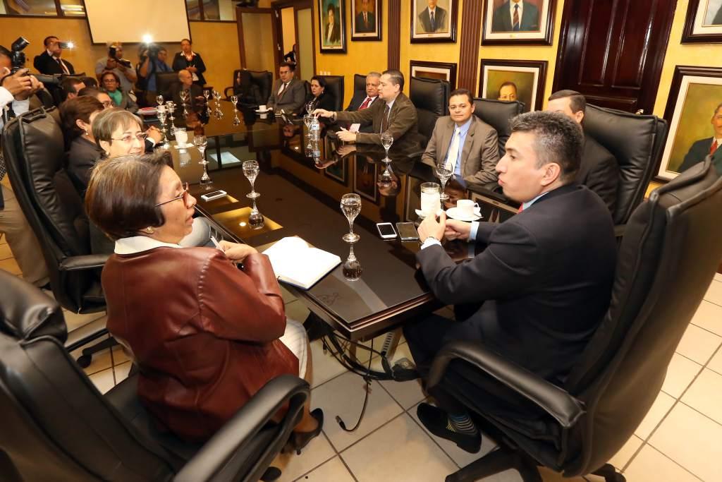 Declaran inconstitucional ley del Consejo de la Judicatura