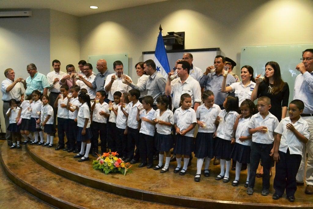 Lanzan campaña » Si a la Leche» en Honduras