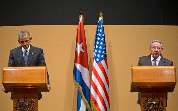 Raúl Castro ratifica ante Obama disposición de avanzar en normalización de relaciones