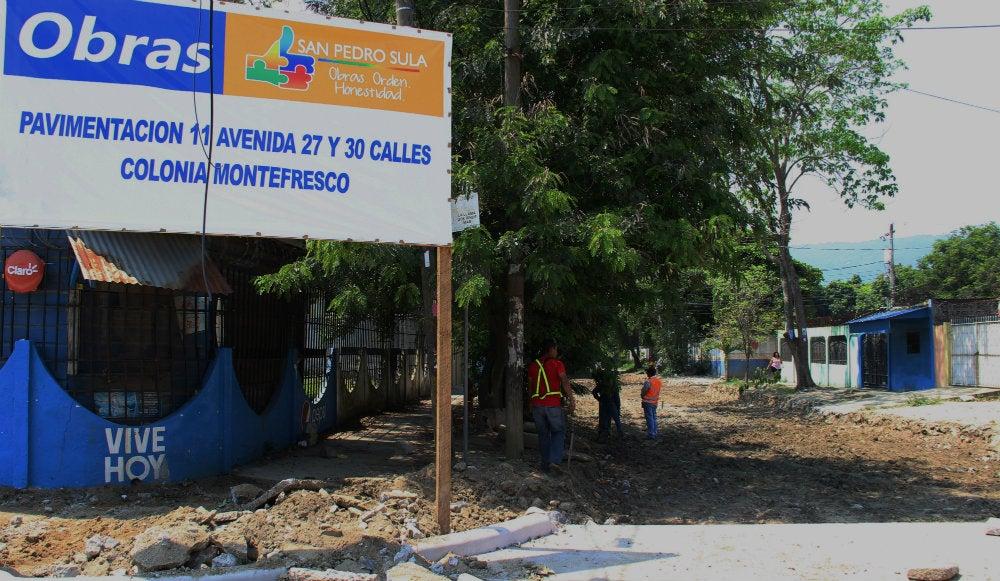 Inician pavimentación con concreto hidráulico en la colonia Montefresco