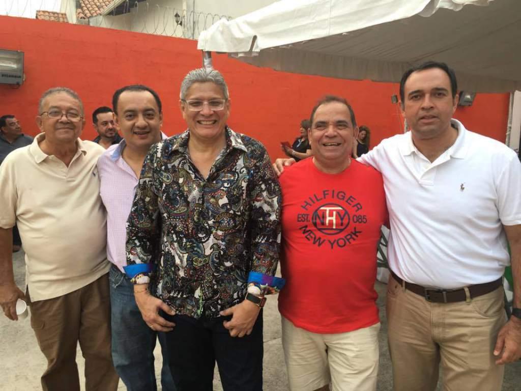 Esdras Amado celebró su cumpleaños con políticos y periodistas