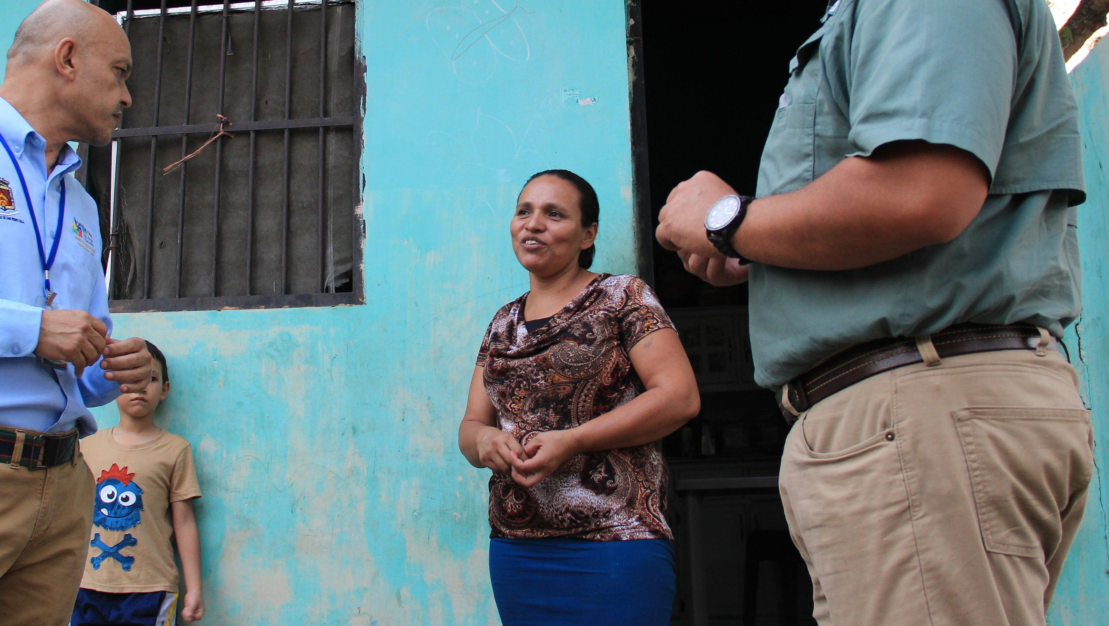 SPS: Ofrecen local a la microempresaria Karla Euceda