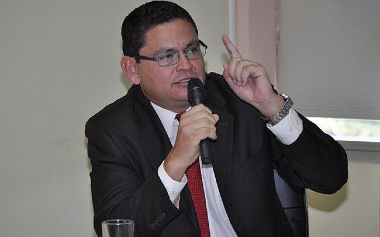 """""""Estudiantes están siendo influenciados por profesores afiliados al COPEMH"""": Escoto"""