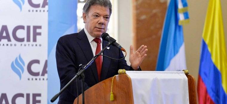 """Juan Manuel Santos  es nombrado """"Embajador de la paz"""" en Guatemala"""