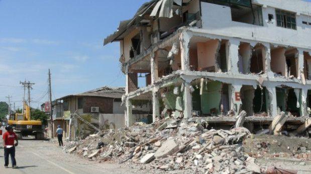 El carpintero sobrevivió 2 días bajo escombros de un hotel en Ecuador