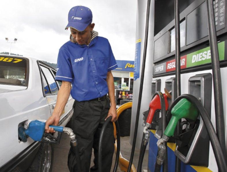 Sigue en aumento el precio de los combustibles este lunes en Honduras