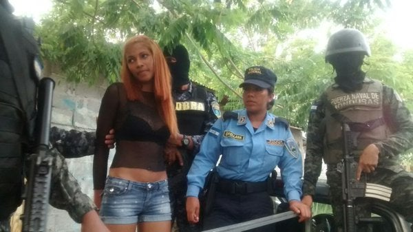Capturan a supuesta asesina de un conductor en La Ceiba