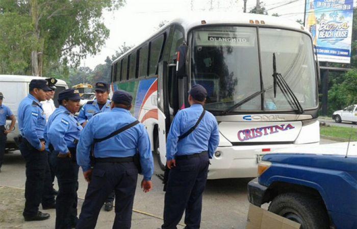 Vídeo: Muestra como sicarias asesinaron a conductor de transporte en La Ceiba