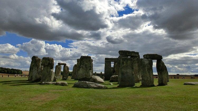 Teólogo afirma que el Stonehenge fue creado por «gigantes de sat