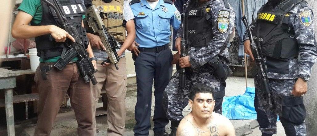 Capturan a presunto integrante de la mara 18 en La Ceiba