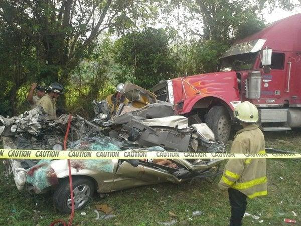 Dos muertos y un herido en accidente vial cerca del Lago de Yojoa