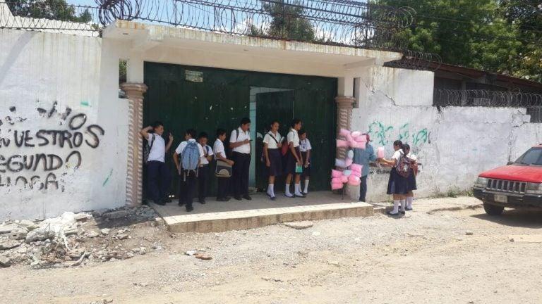 Cortés: Hallan escondidas dos cajas fuertes en colegio «Unión y Esfuerzo»