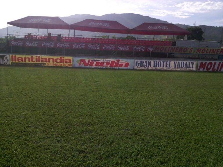El estadio Francisco Martínez ya luce adornado para el juego de la Gran Final