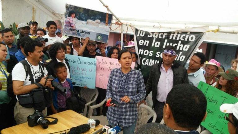 Familiares de Berta Cáceres se reúnen con la MACCIH