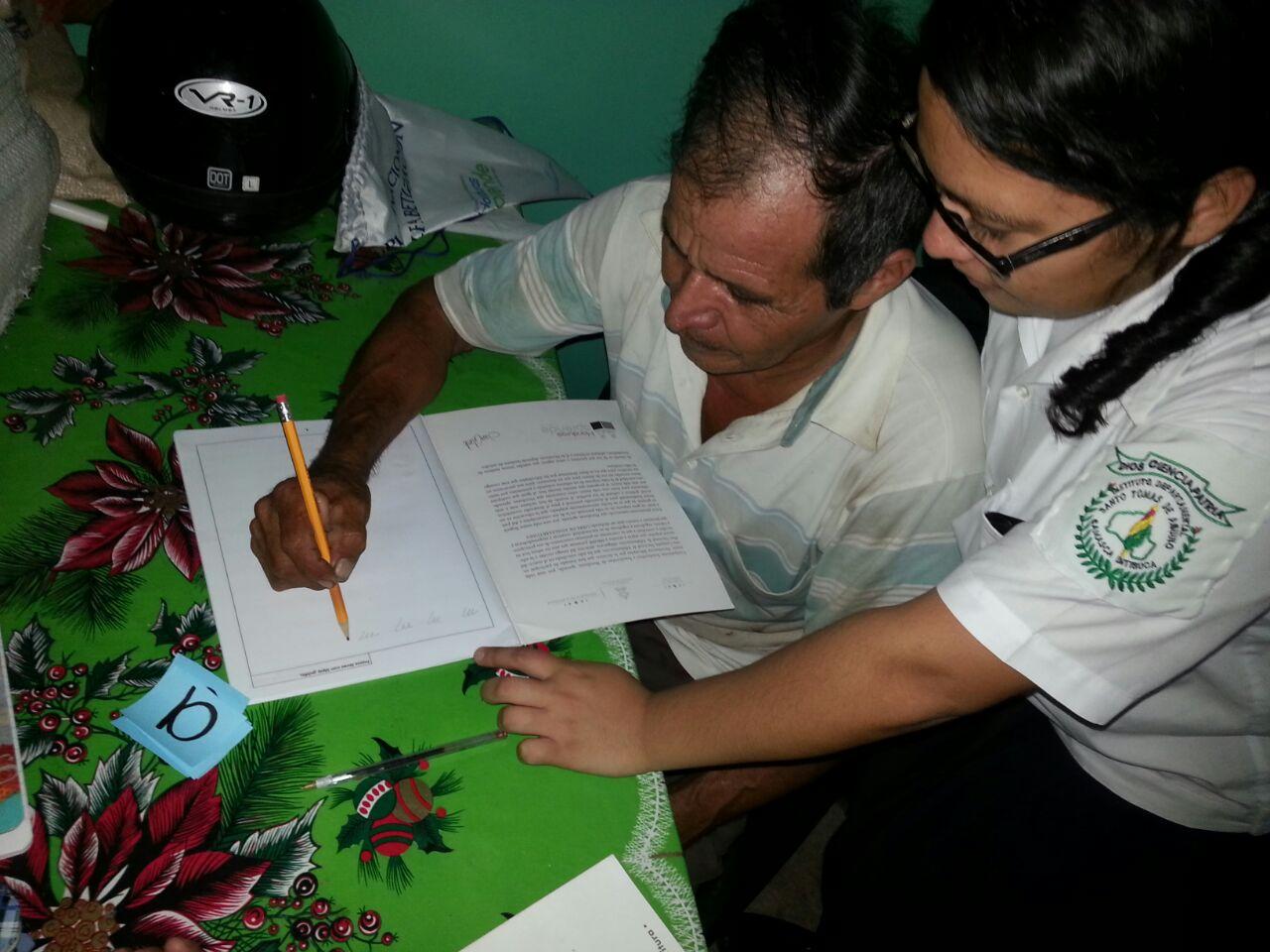 Escoto anuncia: Revisarán problemática de la alfabetización en 15 colegios