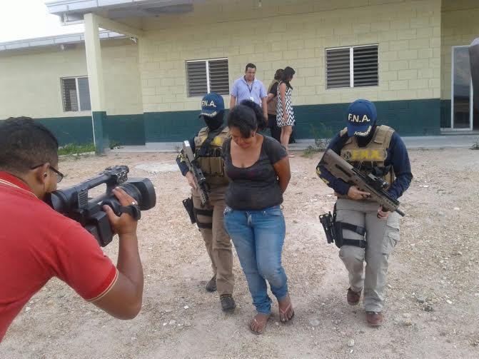 """Capturan a  """"Cara Cortada"""" supuesta extorsionadora y miembro de los Chirizos"""