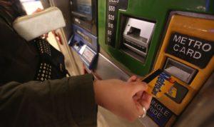 La agencia quiere descontinuar el uso de las MetroCards en los trenes de Nueva York.
