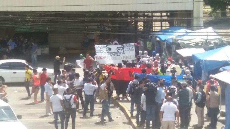 Desalojan a los estudiantes de la UNAH-VS
