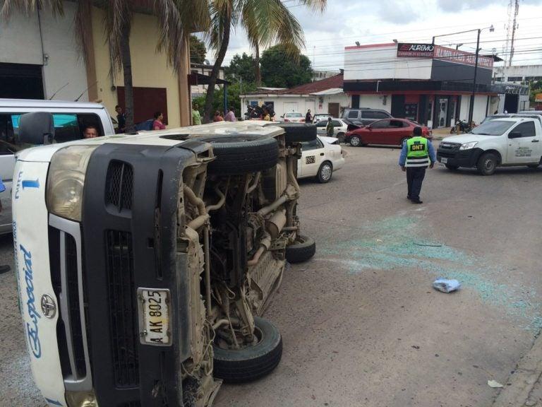 Seis heridos tras choque de bus rapidito en barrio Barandillas de SPS