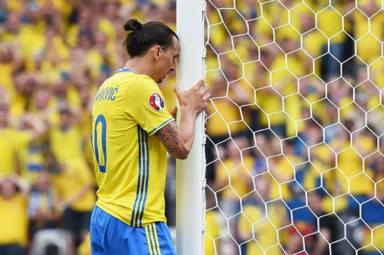 El sueco Zlatan Ibrahimovic anuncia su retiro