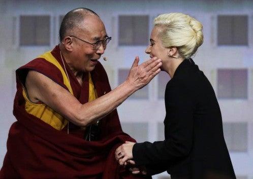Lady Gaga complica su «romance» con los chinos
