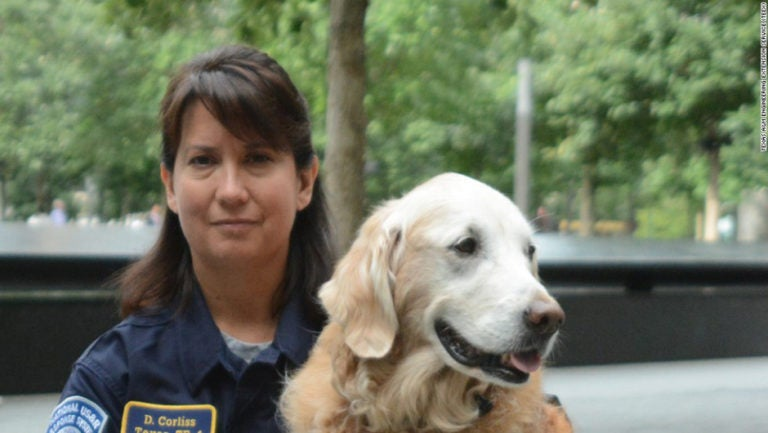 Rinden honores al último perro de rescate del 11 de septiembre