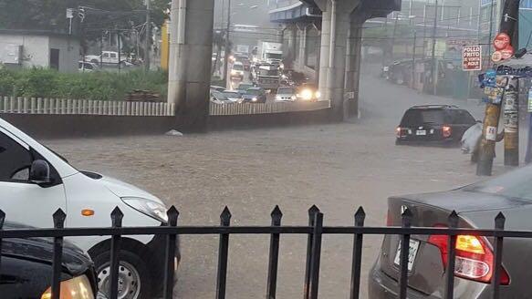 Fuertes lluvias provocan daños e inundaciones en Tegucigalpa