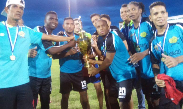Alianza Becerra supera al Parrillas One y se corona campeón de la Liga de Ascenso