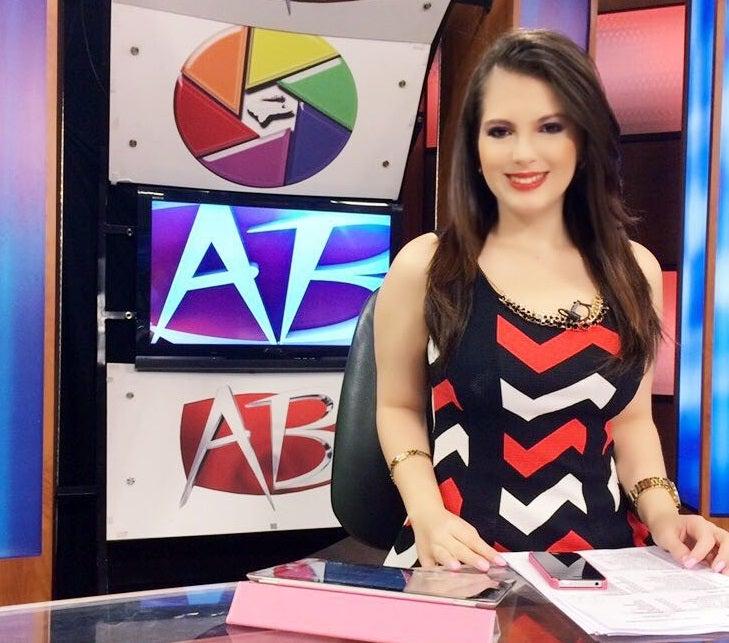 """Jaqueline Redondo: """"Muchos creen que ser periodista es sólo leer noticias"""""""