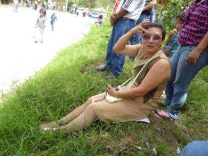 Foto en vida de Lesbia Urquía.