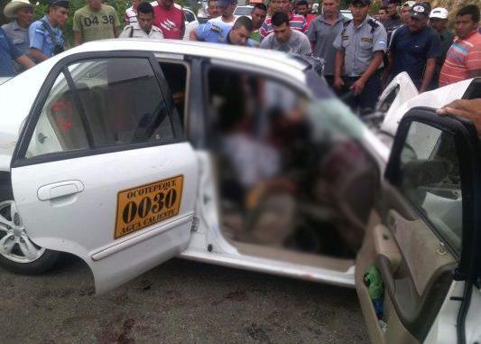 Un muerto y cuatros heridos tras accidente vehicular en Ocotepeque