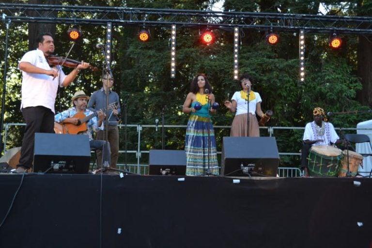 El violinista hondureño Ángel Ríos brilla en Francia
