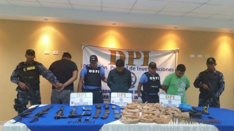 Capturan a miembros de la MS con cuatro fusiles AK-47 en Comayagüela