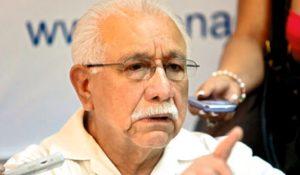 El doctor Ramón Custodio afirma que la rectora, Julieta Castellanos, quiere imponer disciplina, pero si no la diseña bien termina aplicando el autoritarismo.