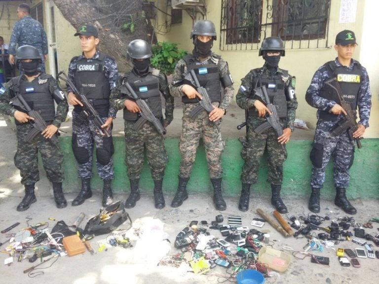 Cuchillos, armas, celulares, y dos «routers» tenían en Presidio