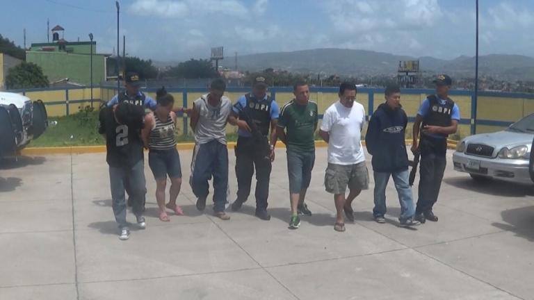 Detienen a seis integrantes de la 18 con armas y pertrechos militares