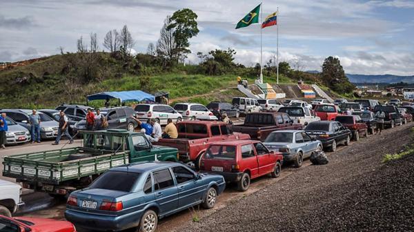 Miles de venezolanos buscan alimento en Brasil