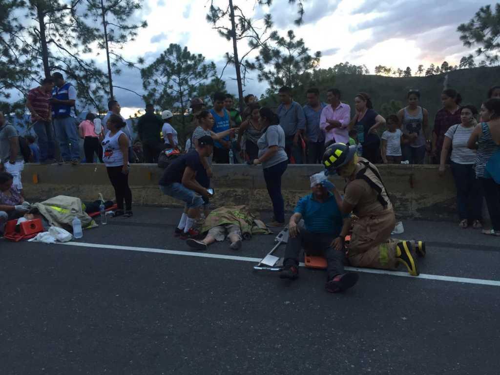 Más de 20 heridos en el accidente de tránsito.