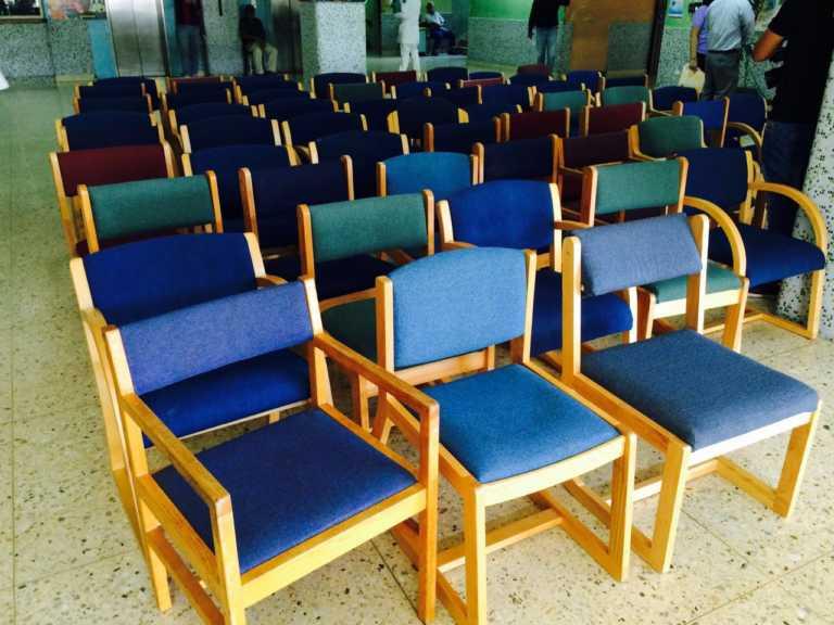Donan sillas de descanso para tres salas pediátricas del HEU