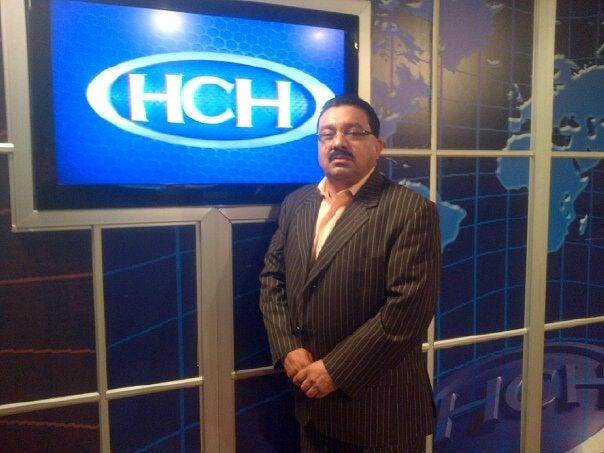 Julio Maldonado se quebranta en pleno programa de TV