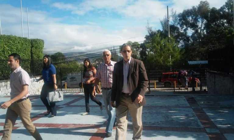 Oposición protesta en la CSJ en contra de petición del CN sobre Plebiscito